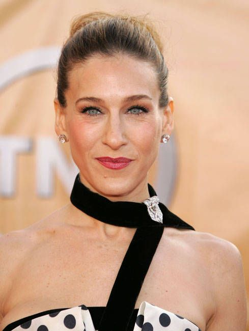 Sarah Jessica Parker created a choker with an antique brooch. www.pinterest.com